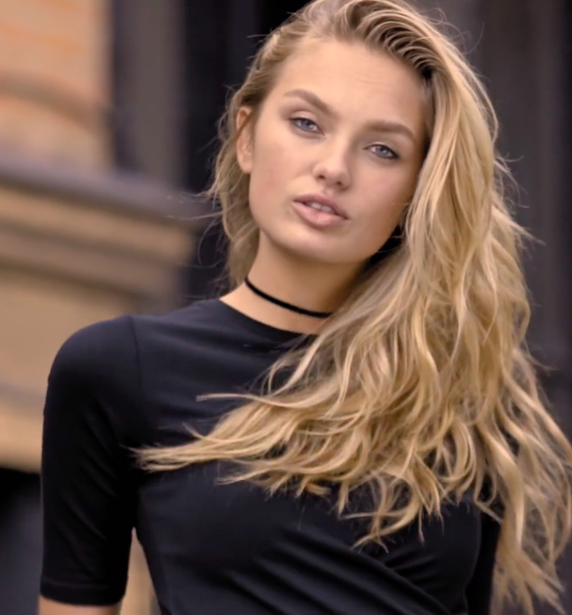 SUPER MAVI WITH ROMEE STRIJD